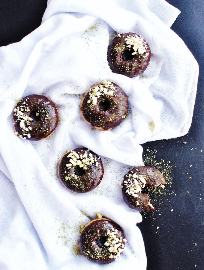 Čokoládové matcha donuty