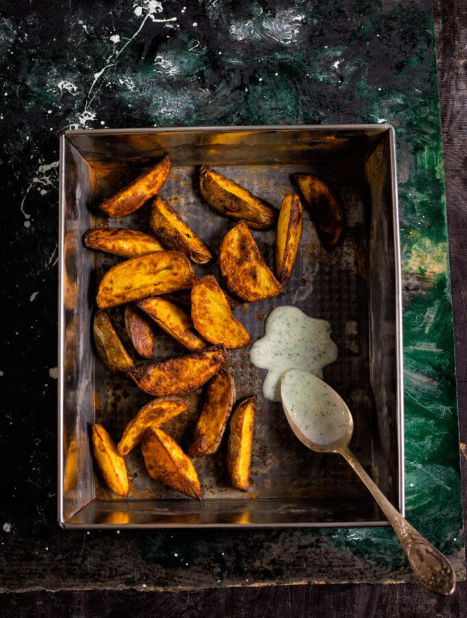 Pečené brambory s koriandrovým dipem