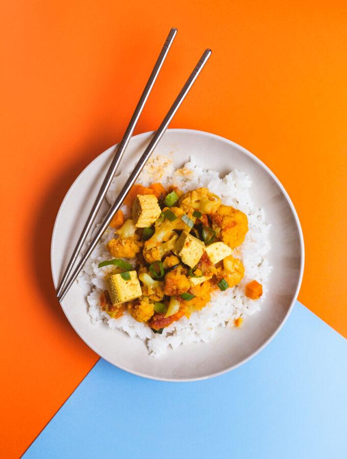 Květákové kari s tofu